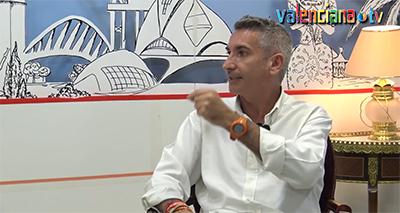 TERTULIES LLITERARIES, ENTREVISTA A SALVADOR RAGA (PRESENTACIÓ).