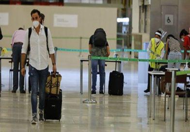El rechazo a nuevas medidas de control con test PCR en los aeropuertos viene con el respaldo personal de Sánchez,